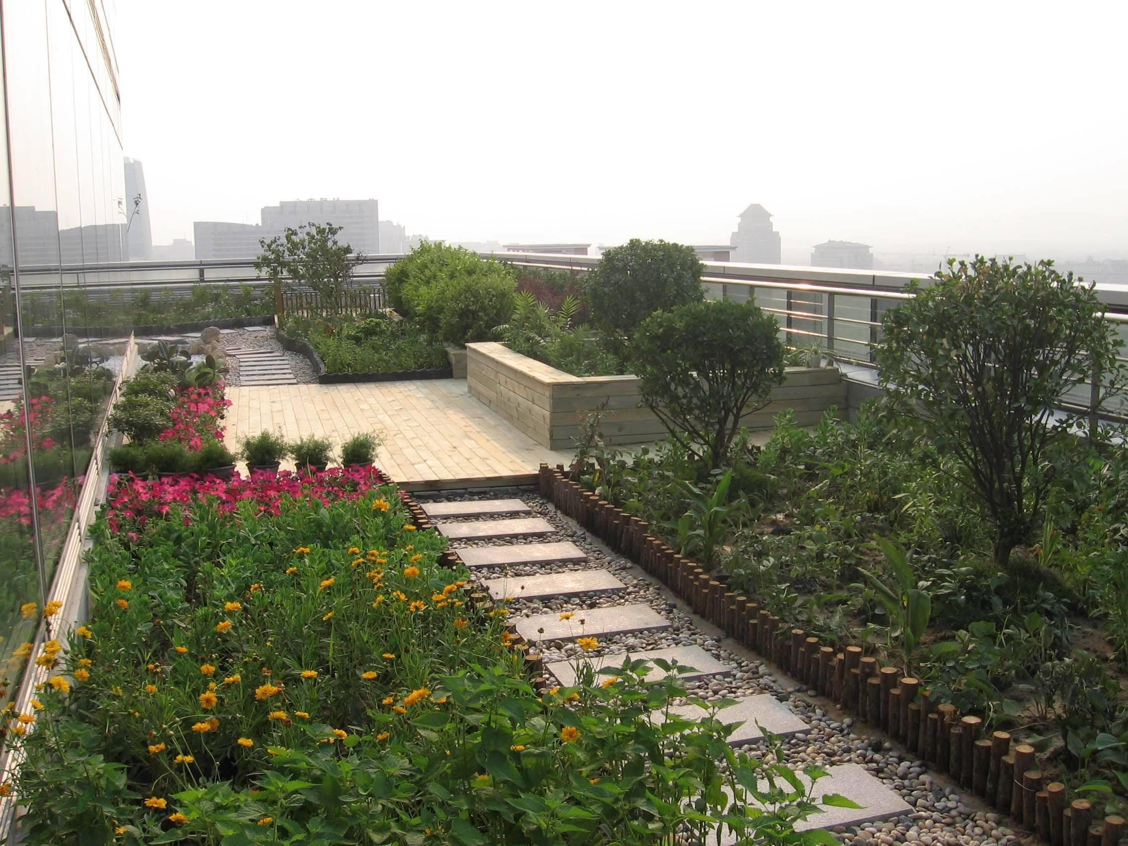 小型花园设计实景_别墅花园设计_花园设计_楼顶花